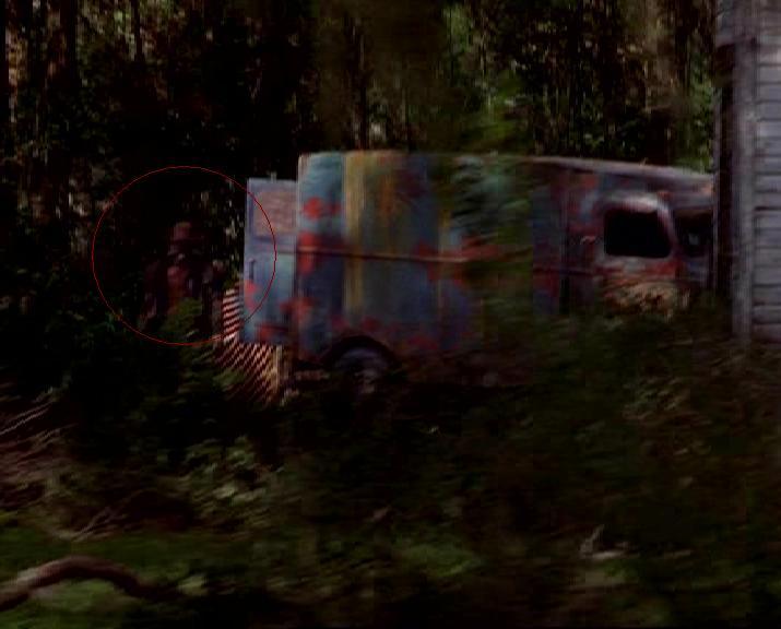 После этот грузовик их обгоняет и